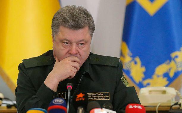 Ukrainan presidentti Poroshenko on ollut luotsaamassa maata läpi vaikeiden aikojen.