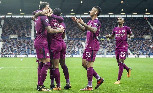 Manchester Cityn Raheem Sterling teki 3–2-voittomaalin. Osuma oli Sterlingille kauden seitsemäs liigamaali. Cityn maaliero on kymmenen ottelun jälkeen murskaava 35–6.