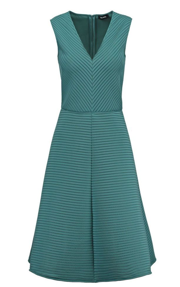 Max&Co:n kaunis mekko luo solakan siluetin, 144,95 e