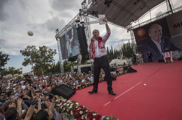 Oppositioehdokas Muharrem Ince on saanut opposition liikkeelle Turkissa.