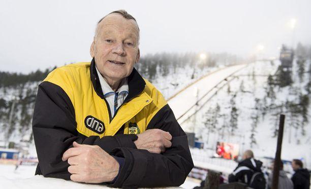 Immo Kuutsa toimi hiihdon päävalmentajana viime vuosituhannella.