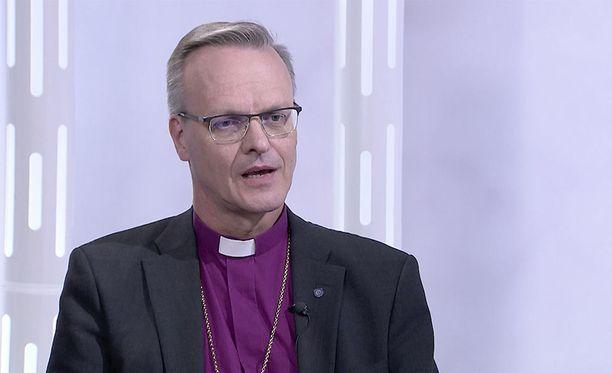 """""""Oleellista on se, että taustalla ei ole työnantajan ohjeistusta"""", arkkipiispana aloittava Tapio Luoma kommentoi homoparien vihkimistä."""