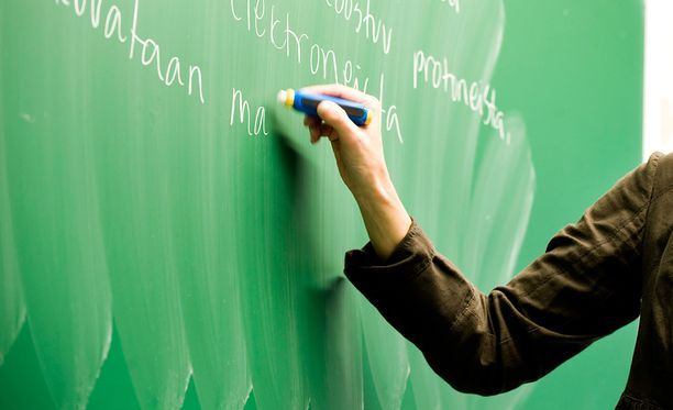 Käräjäoikeus tuomitsi aiemmin koulutuskuntayhtymän saman opettajan syrjinnästä lukuvuonna 2013-2014. Nainen valitti hovioikeuteen, koska toisin kuin käräjäoikeus ratkaisussaan, hän katsoi tulleensa syrjityksi myös seuraavana lukuvuonna. Hovioikeus ratkaisi asian nyt naisen eduksi.