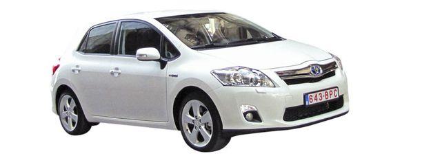Auris Hybrid on täsmäase etenkin yrityskäyttöön. Syyskuussa Auriksen myynti ponkaisikin rajuun nousuun.