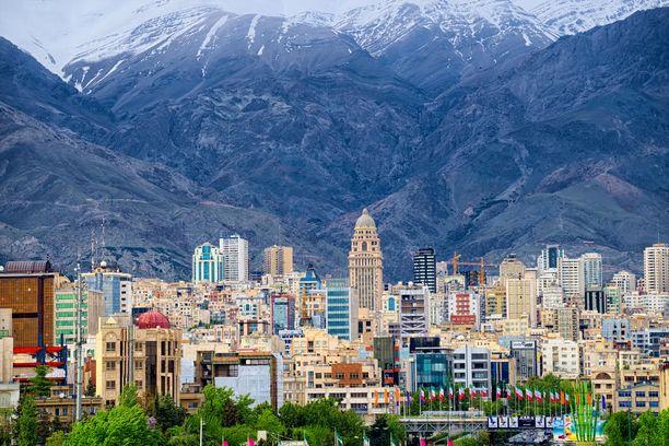 Teheran on elämää kuhiseva kaupunki.