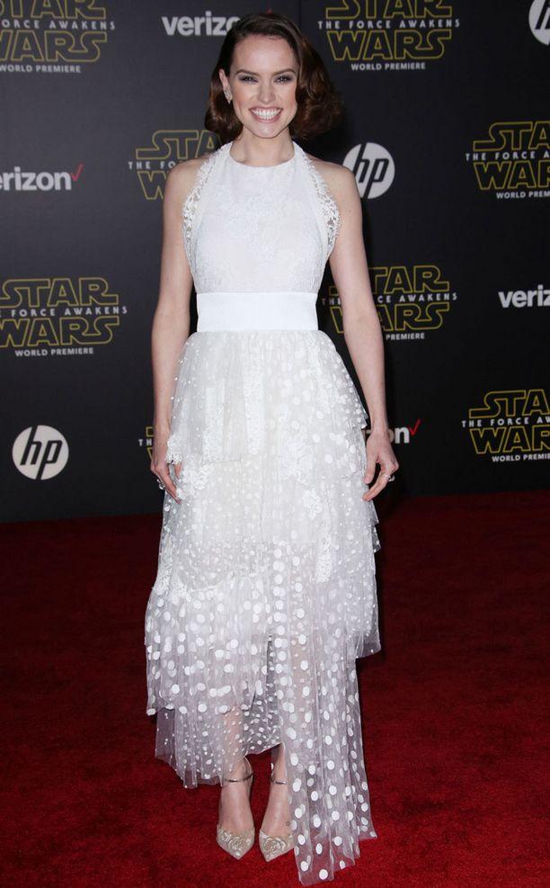 Daisy Ridley on yksi elokuvan pääosanäyttelijöistä.