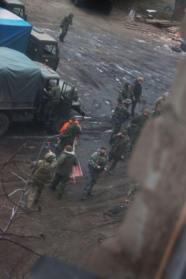 """Löfroosin mukaan Venäjä levittää Ukrainan tapahtumista """"vastenmielisiä valheita"""" julkisuuteen."""
