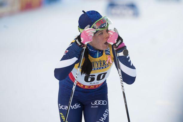 Krista Pärmäkoski taipui Rukan maailmancupissa 10 kilometrin perinteisen kisassa Therese Johaugille lähes minuutin.