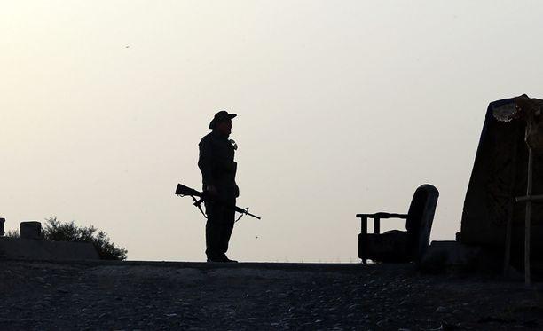 Viranomaiset seuraavat tarkasti sota-alueille suuntautuvaa matkustamista.