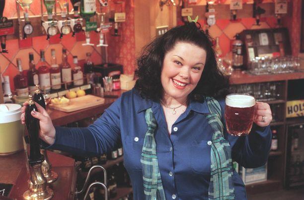 Emmerdale-tähti Lisa Riley on tarjoillut sarjassa muun muassa olutta.