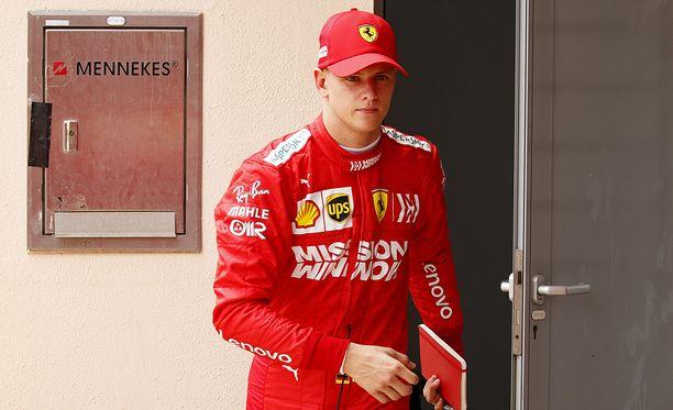 Mick Schumacher jatkaa testejä iltapäivällä. Aamupäivällä hän sai kasaan 33 kierrosta.