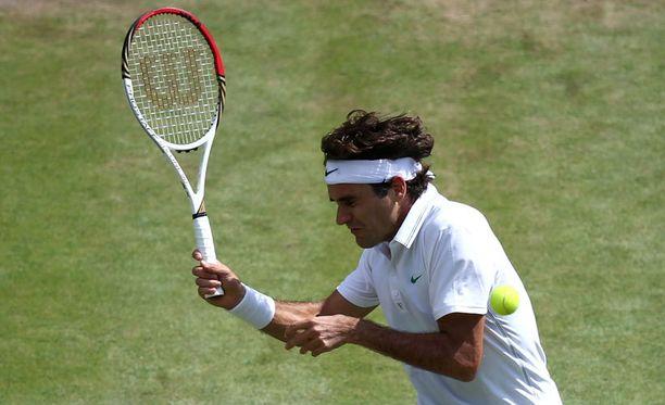Federer vei toisen erän.