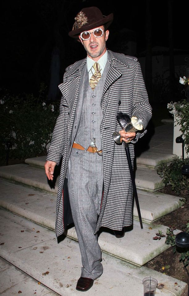 David Arquette pukeutui sutenööriksi.