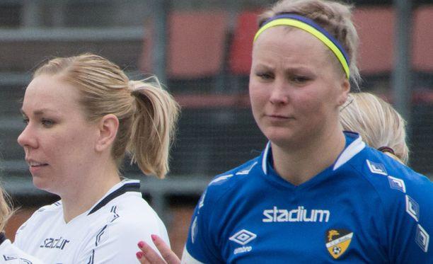 Paula Myllyoja (oik.) on voittanut urallaan kaksi Suomen mestaruutta ja yhden Suomen cupin.