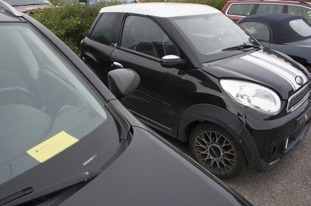 Liikenneturvan tutkimuspäällikkö on aiemminkin kuullut tapauksista, joissa mopoautoissa on ollut liikaa matkustajia. Kuvituskuva.
