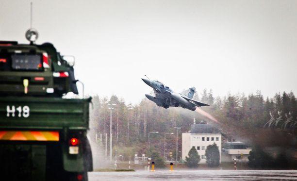 Kuva Suomen puolustusvoimien ilmavoimien lentosotaharjoituksesta Arctic Challenge Exercise 2015.