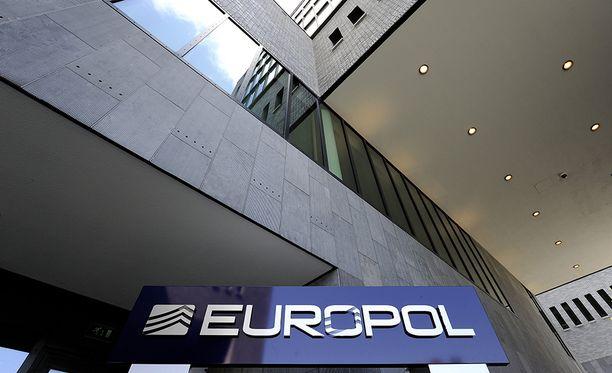 Euroopan poliisiviraston Europolin mukaan hyökkäys on hiljentynyt, mutta se kehottaa edelleen tarkkuuteen.