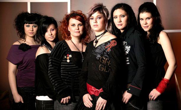 Tiktak vuonna 2005: Mimmu, Nea, Tuuli, Petra, Emppu ja Noora.