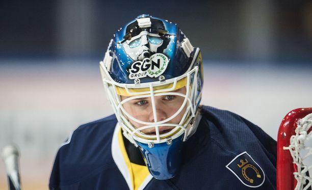 Eetu Laurikainen loisti viime kaudella Bluesin maalilla.