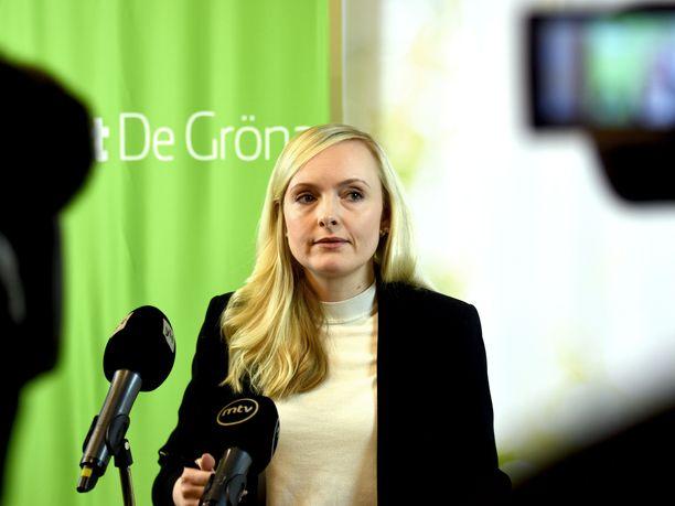 Vihreiden puheenjohtaja, sisäministeri Maria Ohisalo tviittasi hallituksen uudesta tasa-arvo-ohjelmasta torstaina.