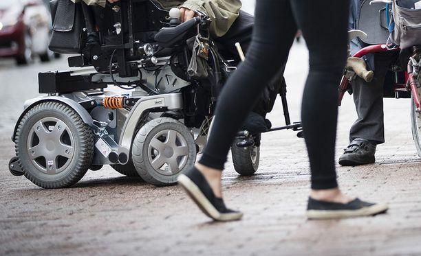 Lautakunnan mukaan poliittisten yhdistysten tilaisuudet olivat olleet syrjiviä, koska niihin ei ollut mahdollista osallistua pyörätuolilla.