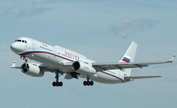 Tupolev Tu-214SR -erikoiskonetta voidaan käyttää esimerkiksi viestintäyhteyksien vahvistamiseen.