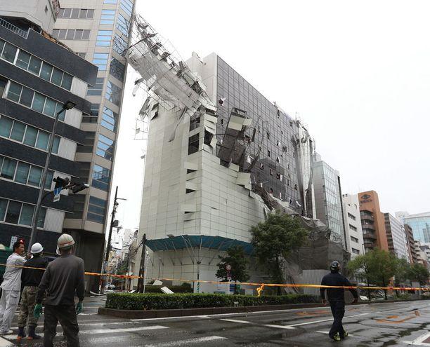 Osa rakennuksista kärsti huomattavia vaurioita liki 20 miljoonan asukkaan metropolialueella.