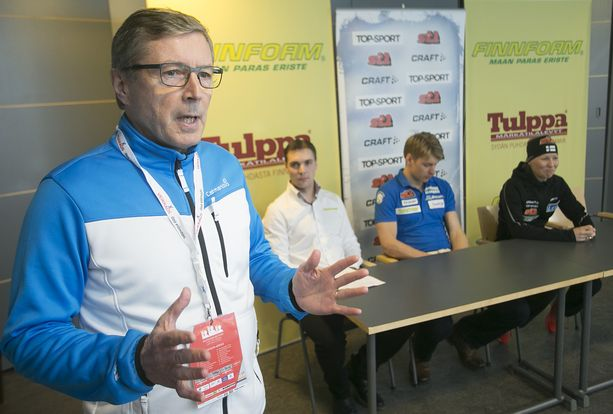 Markku Haapasalmi toimii Hiihtoliiton puheenjohtajana.