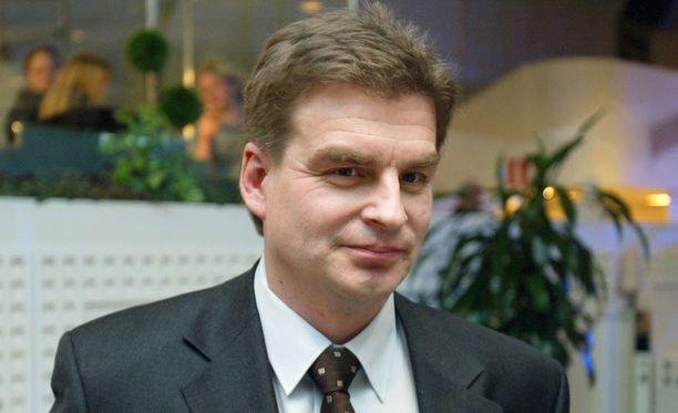 Vuonna 1964 maanmainiossa Pirkkalassa syntynyt entinen Leijonien pelaaja Reijo Mikkolainen näytti tältä vuonna 2004 Aamulehden Pekka Saarisen kuvassa.