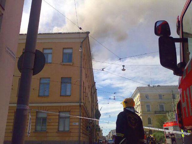 Ministeriön ja presidentinlinnan arvoesineet saatiin pelastettua palolta.