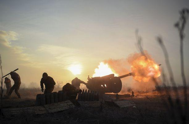 Itä-Ukrainassa sotatoimet jatkuvat edelleen, ja sodalle ei näy loppua, ellei Venäjä peräänny. Kuva tammikuun alusta Itä-Ukrainasta.