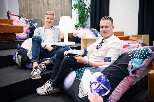 Painakaa nimet ja kasvot mieleen. Max Kalhama (kuvassa vasemmalla) ja Atte Pohjanmaa uskovat, että muutaman vuoden päästä heidän yrityksensä on kasvanut miljoonabisnekseksi.