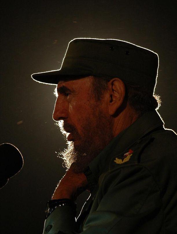 Fidel oli rakastettu ja vihattu hahmo, joka uskoi omaan asiaansa loppuun saakka. Kuva vuodelta 2006.