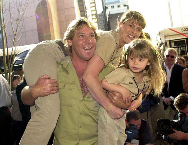 Steve Irwin hassutteli usein vaimonsa ja lastensa kanssa.