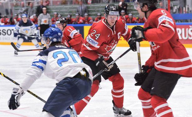 Corey Perry ja muut kanadalaispelaajat turhautuivat.
