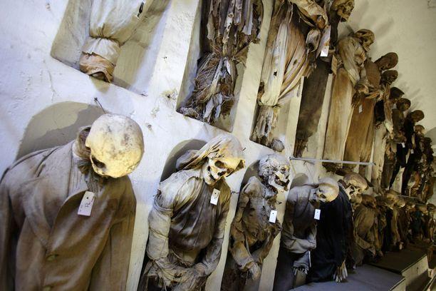 Palermon katakombeihin piti alkujaan haudata vain munkkeja. Mutta sitten muutkin halusivat apajille.