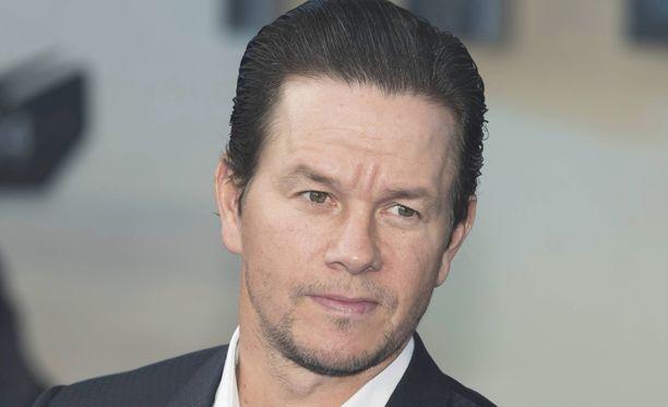 Näyttelijä Mark Wahlberg on tähdittänyt pääosaa Ted-elokuvasarjassa.