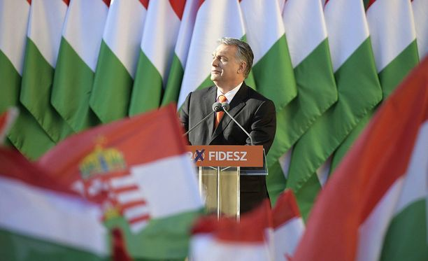 Unkarin pääministeri Viktor Orbanin Fidesz-puolue voi käytännössä sanella maan politiikan.