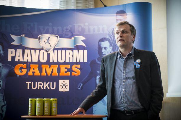 Jari Salonen toivoo valtion tukea.