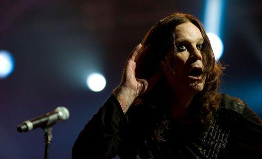 Ozzy Osbourne hurmasi Ruisrockissa kesällä 2010.