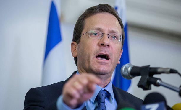 Israelin oppositiojohtaja Isaac Herzog päätti siirtää puoluekokousta samassa rakennuskompleksissa olevan konsertin vuoksi.