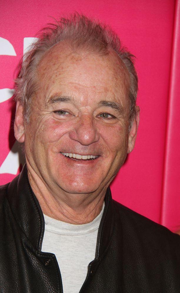 Bill Murray on Rock the Kasbah -elokuvan pääroolissa takavuosien musiikkimanagerina.