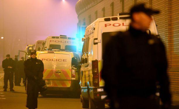 Poliisi tukahdutti perjantaina mellakkaa yksityisvankilassa Birminghamissa.