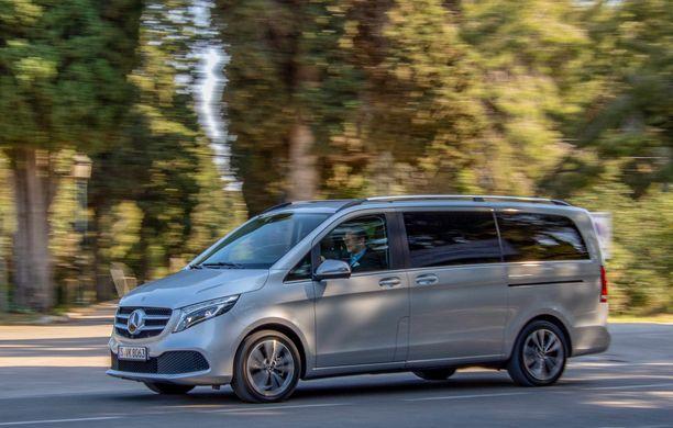Uljasta menoa. Uudella Mercedes-Benz V-sarjan edustustason tila-autolla kehtaa kyyditä niin lapsiaan kuin VIP-asiakkaitaan.