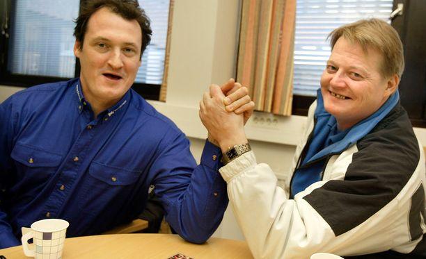 Joukkueen lääkäri hermostui Kimmo Kinnusen ja Seppo Rädyn alapäähuumoriin Atlantan olympialaisissa. Kuva vuodelta 2004.