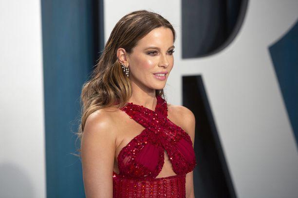 Kate Beckinsalen mukaan Harvey Weinstein raivostui hänelle, koska hän ei pukeutunut tarpeeksi seksikkäästi.