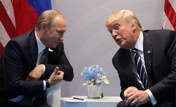 Perjantaina todistettiin historiallista hetkeä, kun Putin ja Trump tapasivat ja kättelivät Hampurissa.