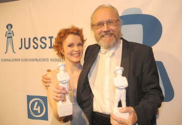 Parhaasta naispääosasta palkittiin Minna Haapkylä ja parhaasta miespääosasta Heikki Nousiainen.
