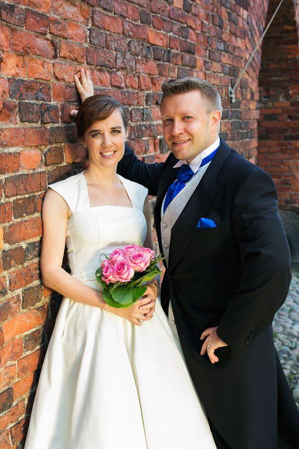 Pia ja Jussi avioituivat Ensitreffit alttarilla -ohjelmassa. Pariskunta päätti erosta jo ohjelmassa. Ero sujui sopuisasti.