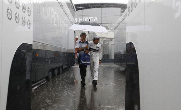 Sateenvarjo oli vähintäänkin paikallaan.